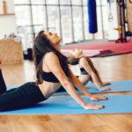 Ejercicios sencillo de yoga para practicar con tu hijos en casa